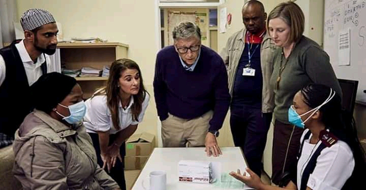 Bill gates and His team