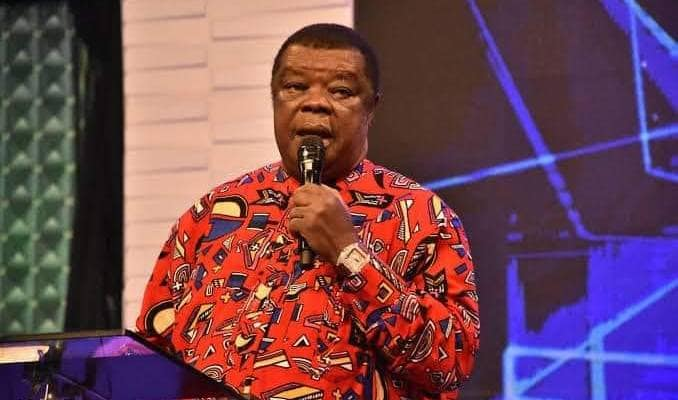 """""""HOW A SITTING PRESIDENT IN NIGERIA CHALLENGED ME AND HOW SONS OF NATIVE DOCTORS WERE MOBILIZED TO ASSASINATE ME"""" – REV DR UMA UKPAI"""